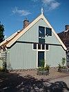 foto van Eenvoudig houten huis