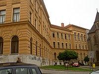 Budova Gymnázia Sladkovského náměstí 8.jpg