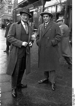 Bundesarchiv Bild 102-00586A, Hans Albers und italienischer Tenor