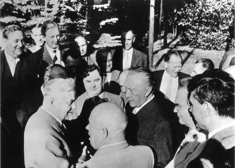 Bundesarchiv Bild 146-1989-101-01A, Moskau, Besuch Konrad Adenauer