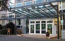 Bundesfinanzministerium Bonn Eingang 2008a.jpg