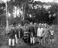 COLLECTIE TROPENMUSEUM Groepsportret van dorps- cq regiohoofden uit de omgeving van Moeara Takoea Sumatra's West Kust TMnr 10020642.jpg