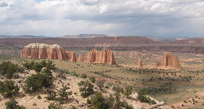 Capitol Reef - Cathedral Valley.jpg