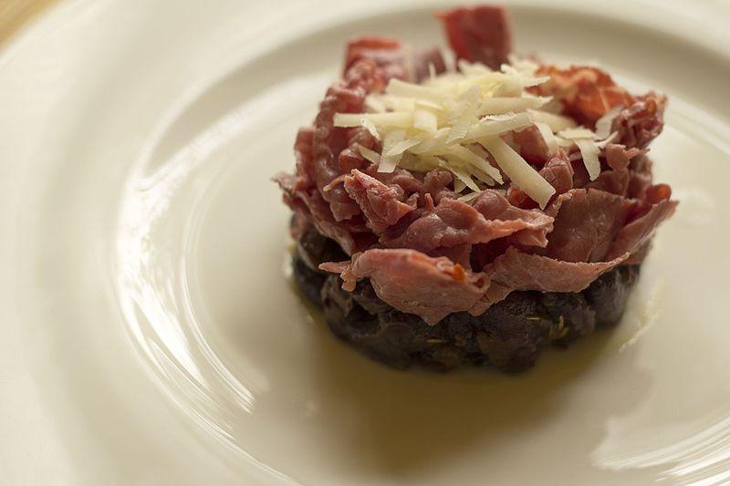 File:Carne salada and beans (16408109843).jpg