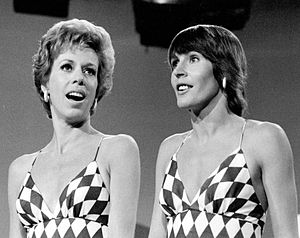 Helen Reddy - Reddy (right) with Carol Burnett, 1973
