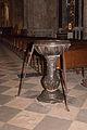 Cathédrale Saint Lizier-Bénitier-20150501.jpg