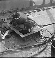Cecil Beaton Photographs- Tyneside Shipyards, 1943 DB92.jpg