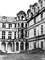 Château - Cour d'Orléans - escalier d'angle - Chambord - Médiathèque de l'architecture et du patrimoine - APMH00007501.jpg