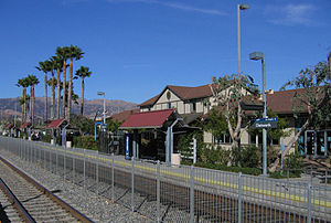 Ventura County Line - The Metrolink station at Chatsworth