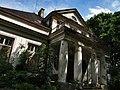 Chodaków, opuszczony pałacyk - panoramio.jpg