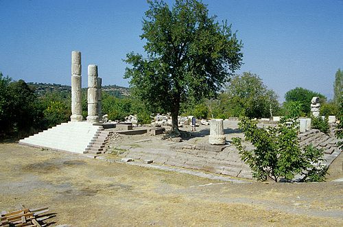 Temple of Apollo Smintheus at Canakkale, Turkey Chryse.jpg