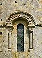 Civray 86 Fenêtre église 2014.jpg