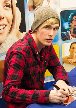 Colton Dixon - Image: Colton Dixon in February 2013