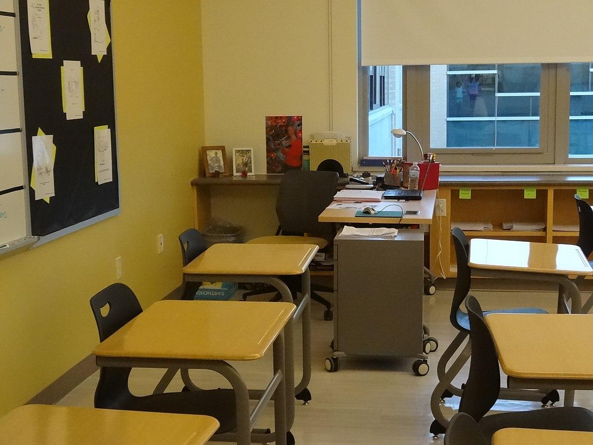 teacher\'s desk - Wiktionary