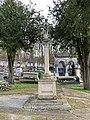 Croix Cimetière Ancien Gouvieux 1.jpg