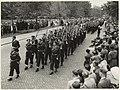 Défilé op de Dreef van de Nationale Reserve gehouden op de Provinciale dag in 1955. NL-HlmNHA 54004251.JPG