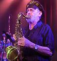 David Jackson plays alto and tenor sax 6358.jpg