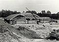 De bouw van sportcompex Tetterode aan de Tetterodeweg 15 te Overveen. Geschonken in 1986 door United Photos de Boer bv. Identificatienummer 54-015730, NL-HlmNHA 54015730.JPG
