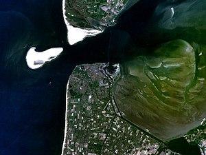 Noorderhaaks - Satellite photo of Noorderhaaks (left)