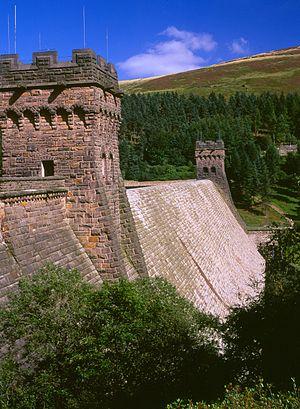Derwent Reservoir (Derbyshire) - Dam Wall