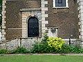 Detail on the Western Face of Saint George's Church, Gravesend (01).jpg