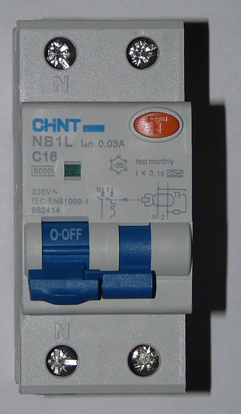 English: Combined circuit breaker and RCD. In ...