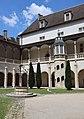 Dole (39) Hôtel-Dieu - Cloître - 01.jpg