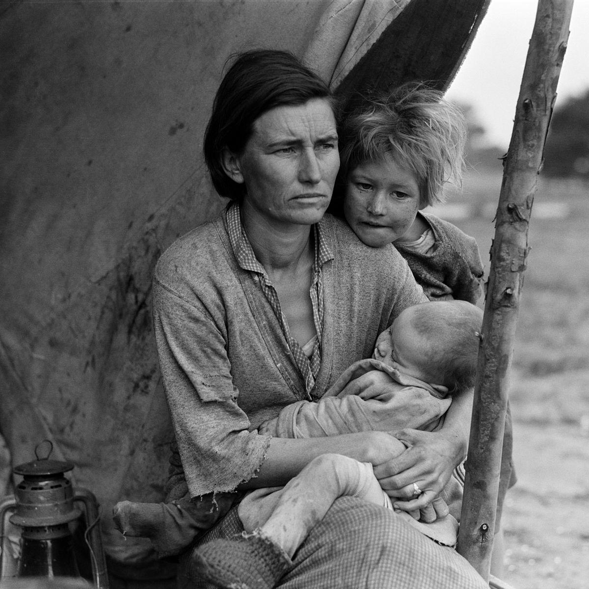 Dorothea Lange, Migrant mother (alternative), Nipomo, California, 1936.jpg