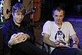 Dougie Payne y Fran Healy, entrevista en la Riviera, Madrid, 2007.jpg