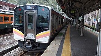 E129 series - Four-car set B9 on a Joetsu Line service in April 2016