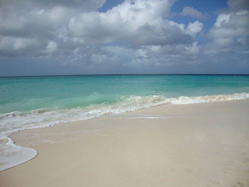 Bestand:Eagle Beach. Oranjestad, Aruba.JPG