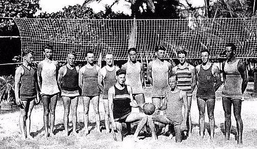 Beach volleyball players at the Outrigger Canoe Club in Hawaii, ca. 1915 Early beach volleyball in hawaii.jpg