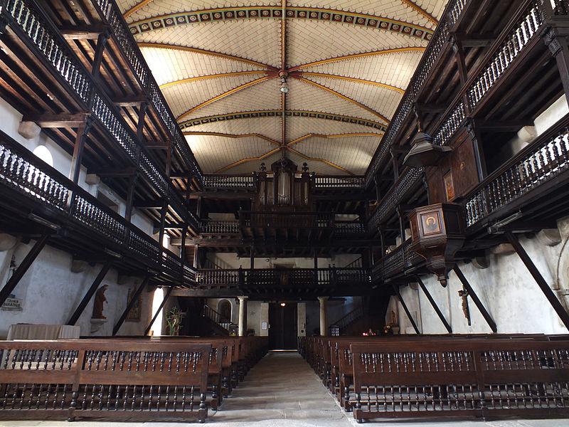 Église Saint-Martin de Sare (64), intérieur vu du chœur.