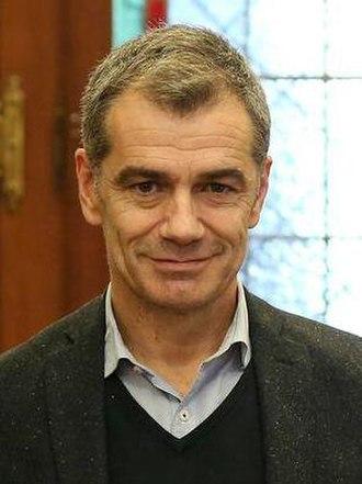 Toni Cantó - Image: El diputado de Ciudadanos, Toni Cantó (cropped)