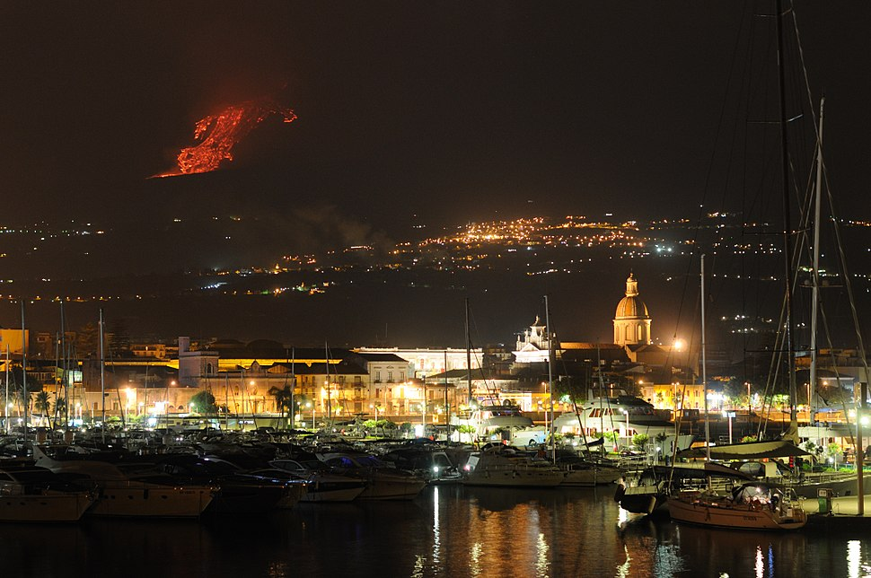 Etna Volcano Paroxysmal Eruption July 30 2011 - Creative Commons by gnuckx (5992115125)