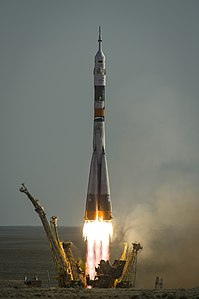 Expedition 31 launch.jpg