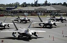 מטוסי הקרב ה-F22  הוא מטוס חמקן הכי טוב בעולם. למה לא מוכרים אותו לישראל? 220px-F-22_Raptor_-_070212-F-2034C-110