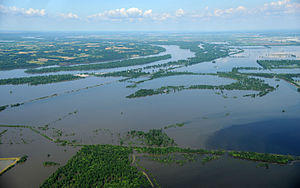 Floods in the United States: 2001–present - Flood waters impact areas west of St. Louis