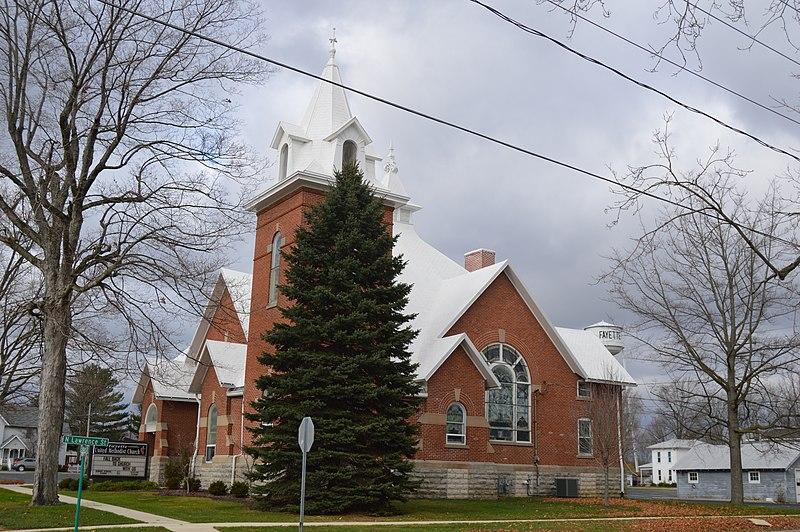 File:Fayette United Methodist Church from southeast.jpg