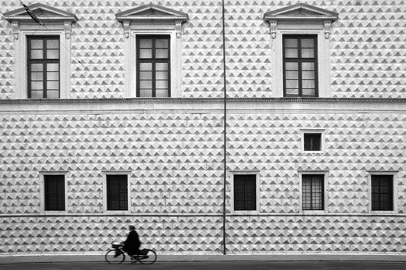 File:Ferrara palazzo diamanti.jpg