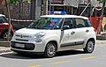 Fiat 500L Dom zdravlja Savski Venac 01.jpg