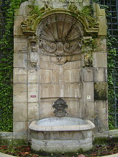 Fontaine de lAbbaye de Saint-Germain-des-Prés fountain in Paris, France