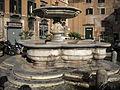 Fontana di piazza delle Cinque Scole.JPG