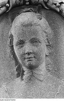 Fotothek df roe-neg 0006209 013 Relief von Anna Katharina Schönkopf am Sockel de.jpg