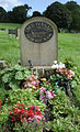 Fred Dibnah Grave in 2009.jpg