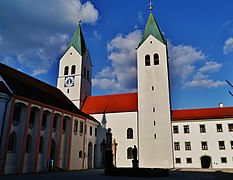 Freising Dom St. Maria & Korbinian Fassade 1