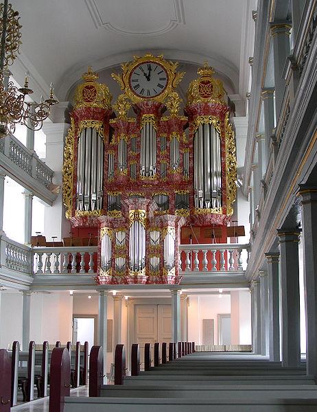 File:Garnisons Kirke Copenhagen organ.jpg