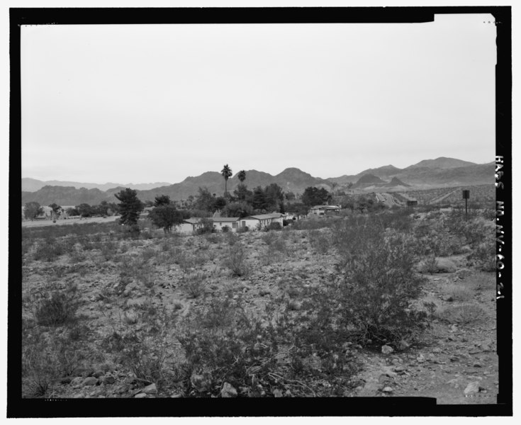 File:General view of complex showing environmental setting and relationship of buildings to each other, view looking northwest, view 3 - Lake Mead Lodge, 322 Lakeshore Road, Boulder City, HABS NV-60-21.tif