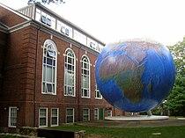 Globe, Babson College - IMG 0438.JPG