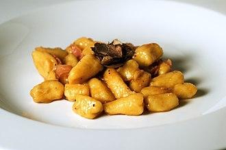 Gnocchi - Image: Gnocchi with truffle